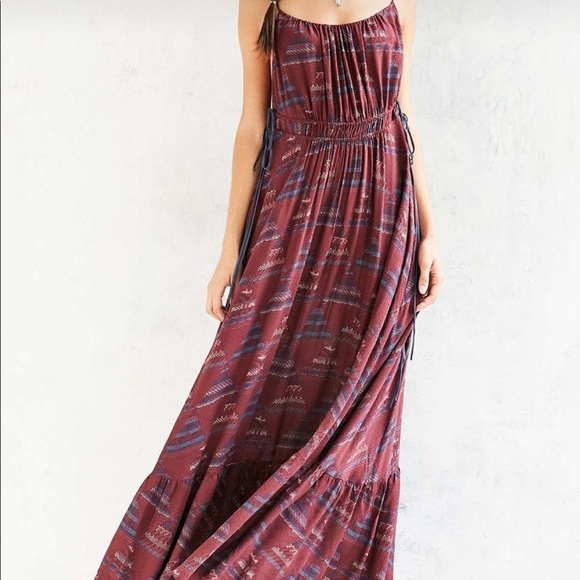 UO Ecote Triforce Tie-Side Maxi Dress M